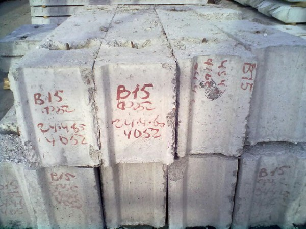 Фундаментные блоки , доставка, розгрузка.