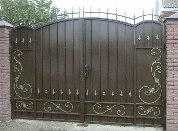 Фото 1 Ворота из профнастила,распашные,кованые 332662