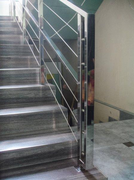 Фото 3 ограждения лестничных маршей из нержавейки 319312
