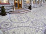 дизайнерское оформление территории тротуарной плиткой и брусчаткой