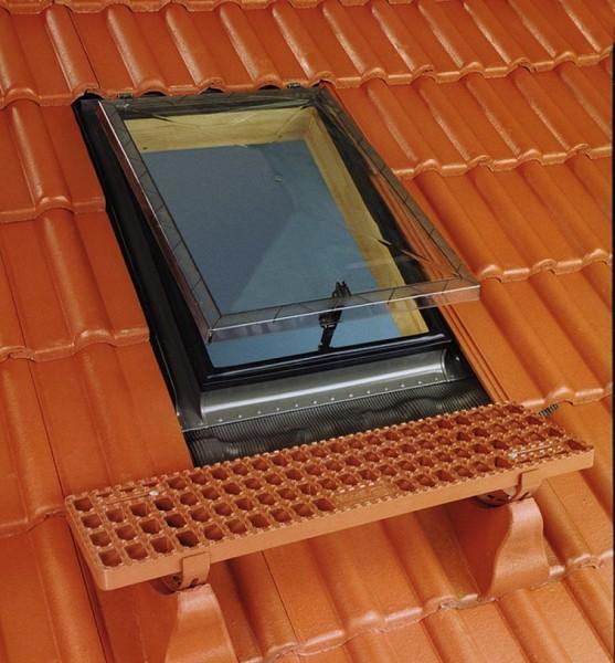 Окна-люки WS (ВС) FAKRO (ФАКРО) для неотапливаемой кровли, крышка из поликарбоната