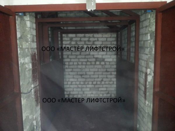 Монтаж грузового подъёмника на 1 тонну для промышленного предприятия на заказ.