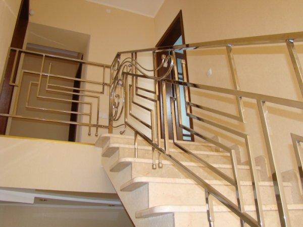 Фото 5 ограждения лестничных маршей из нержавейки 319312
