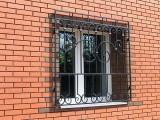 Решетки на окна металлические кованые у двери под завакз изгтвленети