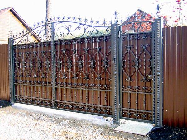 Фото 3 Ворота распашные,ворота кованые,ворота въездные,ворота с профлиста 331614