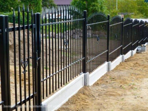 Фото 4 Цоколь для 3D секційного паркану, звареної сітки, кованого паркану 332606