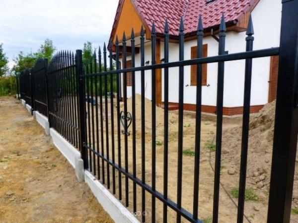 Фото 3 Цоколь для 3D секційного паркану, звареної сітки, кованого паркану 332606