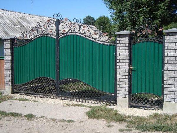 Фото 3 Калитка с воротами из профнастила 332663