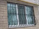 металлическая решетка на окно с элементами ковки. Большой выбор узора. В стоимость входит доставка и установка