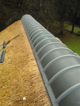 аксесуары для соломенных крыш