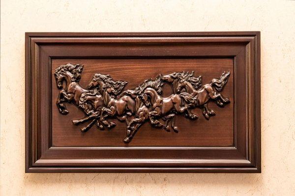 Фото 1 Эксклюзивная картина «Лошади» из ценных пород древесины. 330949