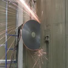 Алмазная резка - предполагает резку стен из кирпича или железобетона.