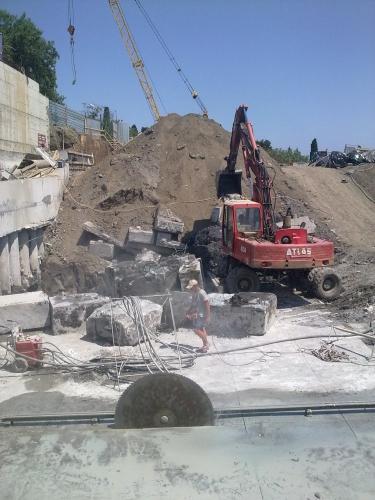 Алмазная резка Северодонецк бетонных конструкций настенными пилами.