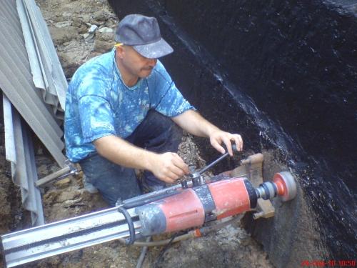 Алмазне буріння отворів в з/бетоні діаметром 132мм