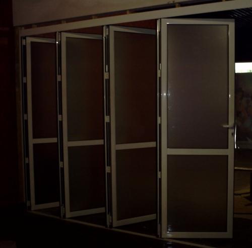Алюминиевые складывающиеся перегородки Аккордеон.