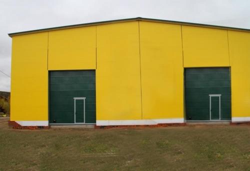 Ангары , склады , гаражи.
