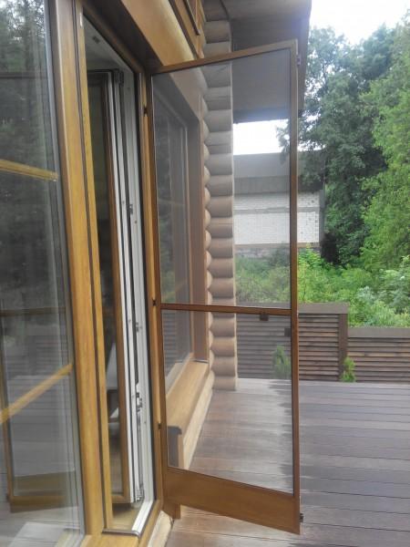 Антимоскитная дверная сетка с 32 профиля.