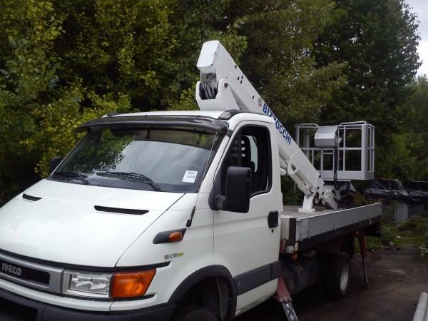 Аренда автовышки. Локтевая, 18 м. Монтаж/демонтаж баннеров, кондиционеров, спутниковых антенн.
