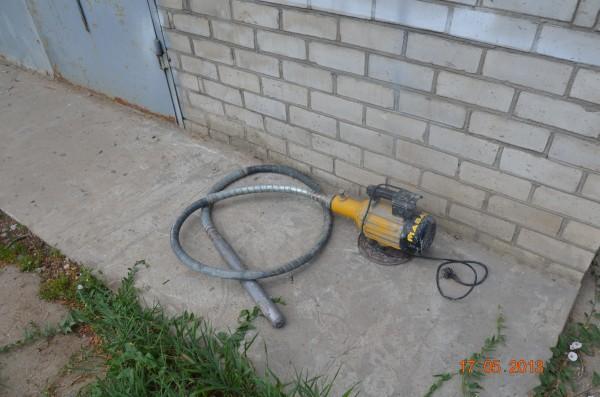 Аренда Вибратор бетонный .220 В. Масалта