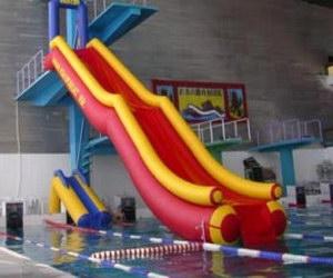 Аттракционы для бассейнов (фонтаны, водопады, противоток для бассейнов, горки, трамплины, массажные устройства)