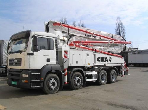 Автобетононасос CIFA (Италия) К41-XRZ на базе MAN, длина стрелы 41 м. Производительность 150 м3/час.
