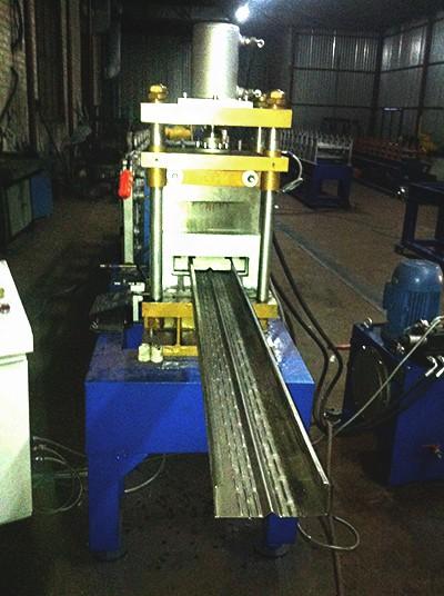 Автоматическая линия для производства термопрофиля