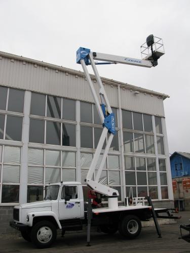 Послуги автовишкою колінно-телескопічно ю висотою 24 метри. зручна форма оплати. Хороші умови оренди.