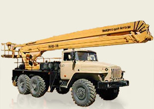 Автовышка ЗИЛ-131, высота подъема: 22 м (± 0,5 м), грузоподъемность люльки: не более 250 кг