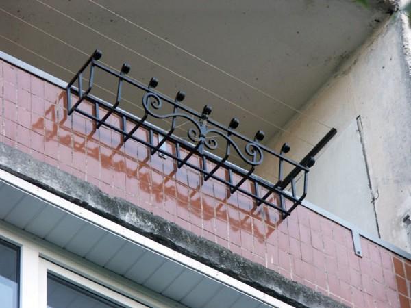 Балкончик на окно своими руками 46