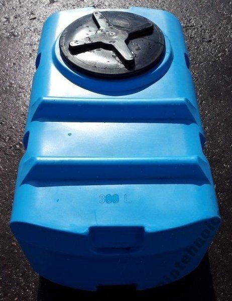 Фото  1 Бак, бочка, емкость 300 литров пищевая прямоугольная, крышка d 35 см SК 1985435