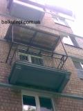 Балконный вынос конструкциизуб  плюс независимая крыша(профнастил оцинкованный)
