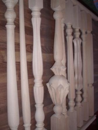 Балясины из массива древесины.