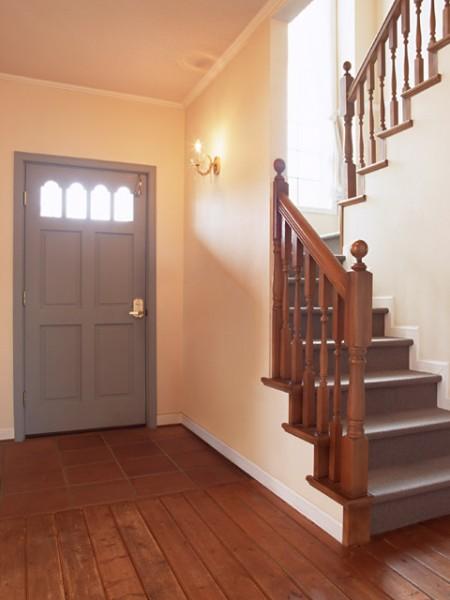 Бетонная П-образная лестница с площадкой