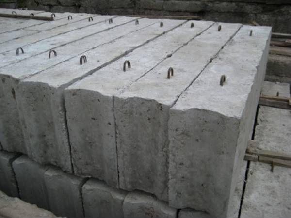 Блоки железобетонные фундаментные ФБС12-4
