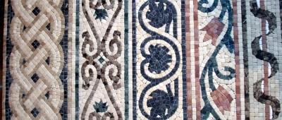 Бордюр мозаичный мраморный