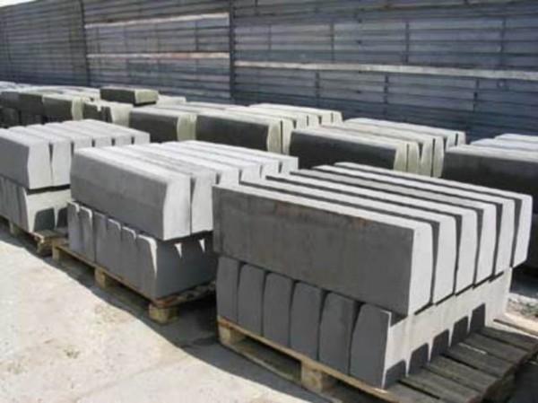 Бордюрный камень БР 150-20-12