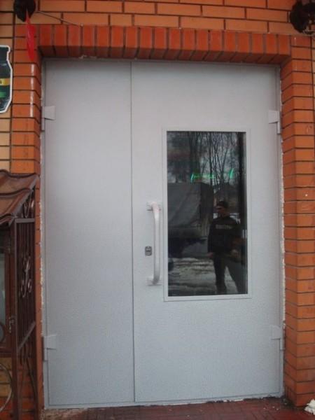 Бронедверь 2,05*0,96. Отделка двери:с двух сторон порошковое покрытие.