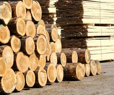 Брус свежепиленный сосновый 4 - 4,5 м - 1500 грн. Брус свежепиленный сосновый 6 метровый - 1700 грн.