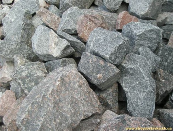 Бутовый камень гранитный 15-30 см