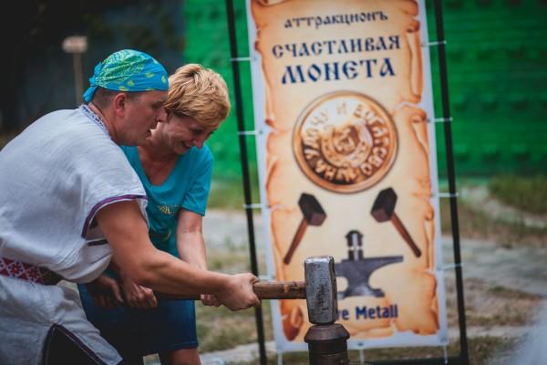 Чеканка сувенирных монет на юбилей в Днепропетровске и в Украине от кузнечной мастерской Live Metall