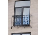 Балконы и балконные ограждения из черного металла, с коваными элементами