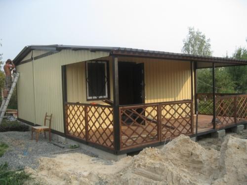 Дачный домик с верандой-беседкой