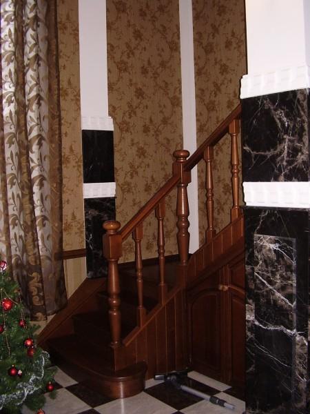Декорация колонны мрамором