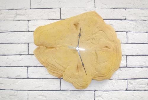 Декоративные каменные часы
