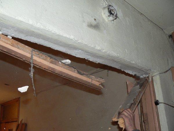 Фото  1 Демонтаж деревянных дверных блоков на промышленных объектах 1872842