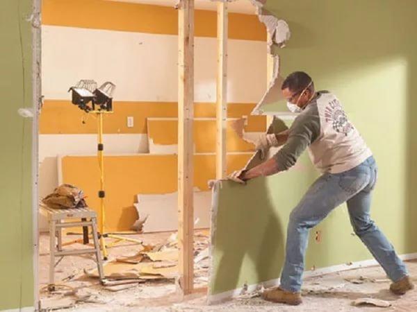 Демонтаж гипсовых перегородок в квартире