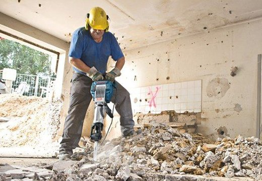 Демонтаж стяжки в квартире