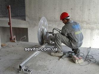 Демонтаж зданий при помощи алмазного оборудования Тиролит, опыт более 15 лет.