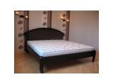 Деревянная кровать Чайка-овал с резьбой