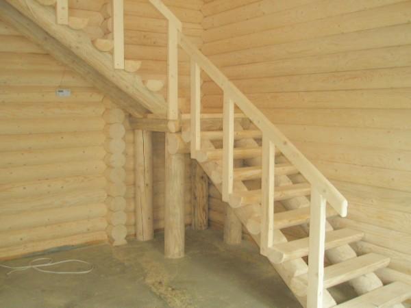 Деревянные лестницы для частных домов.